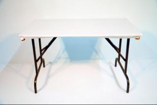 Vinyl topped table. Available in 4' 6' or 8' long