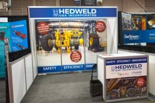 Hedweld exhibit booth 1 with upgraded graphic panels