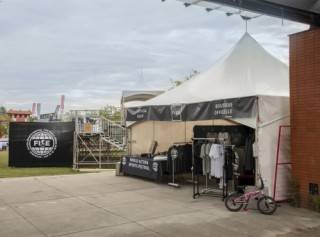 Tent rental as merchandise store for events
